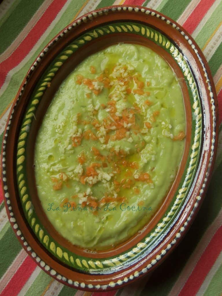 Avocado salsa with Garlic and Habanero