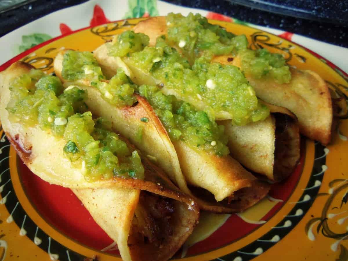 Beef Taquitos with Chile Verde Jalapeño Salsa | La Piña en la Cocina