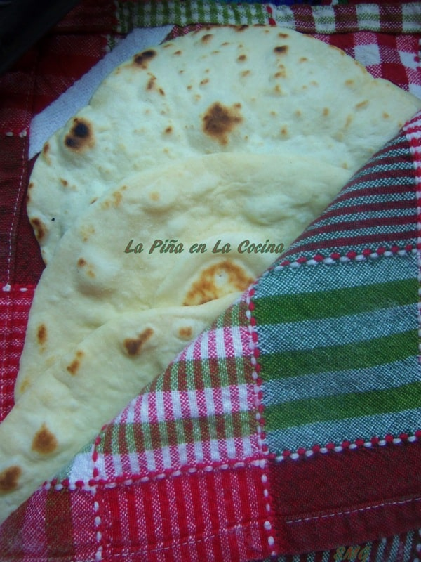Marvelous Flour Tortillas A Staple In The Mexican Kitchen La Pina Home Interior And Landscaping Spoatsignezvosmurscom