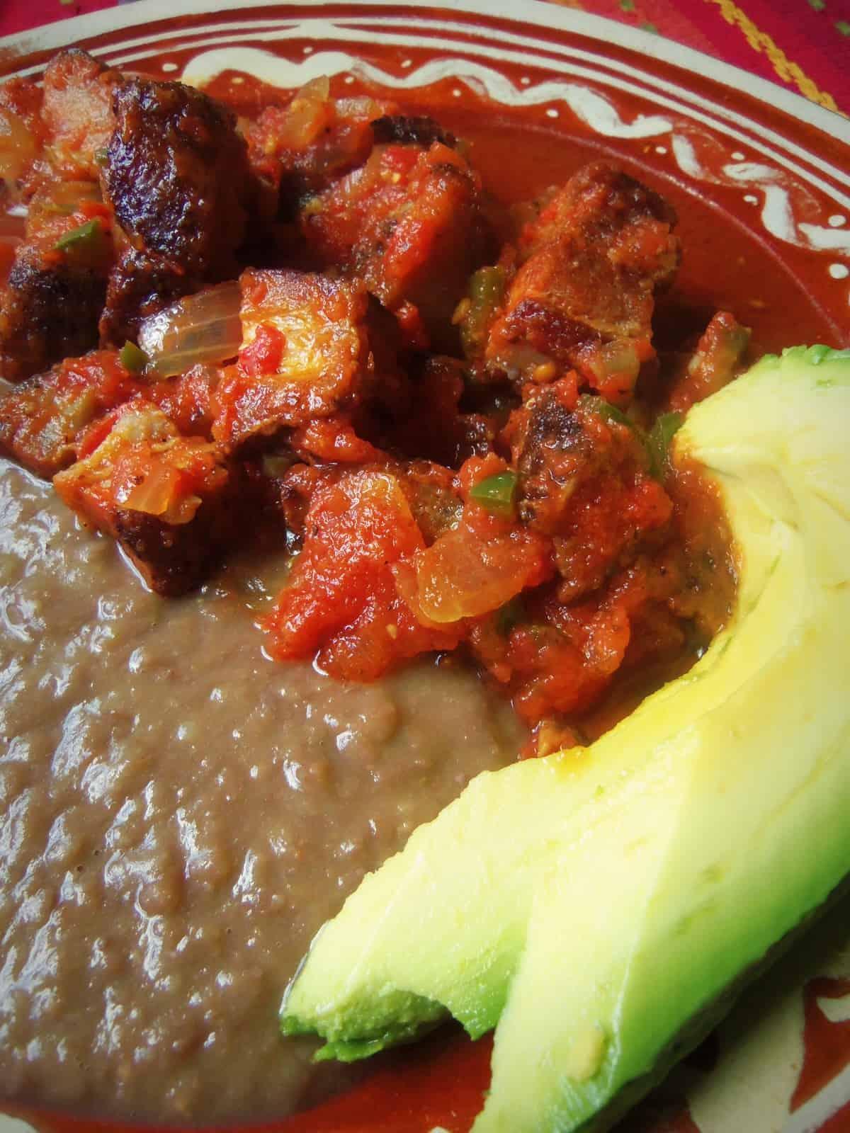 Carniceria Style Chicharron en Salsa Roja