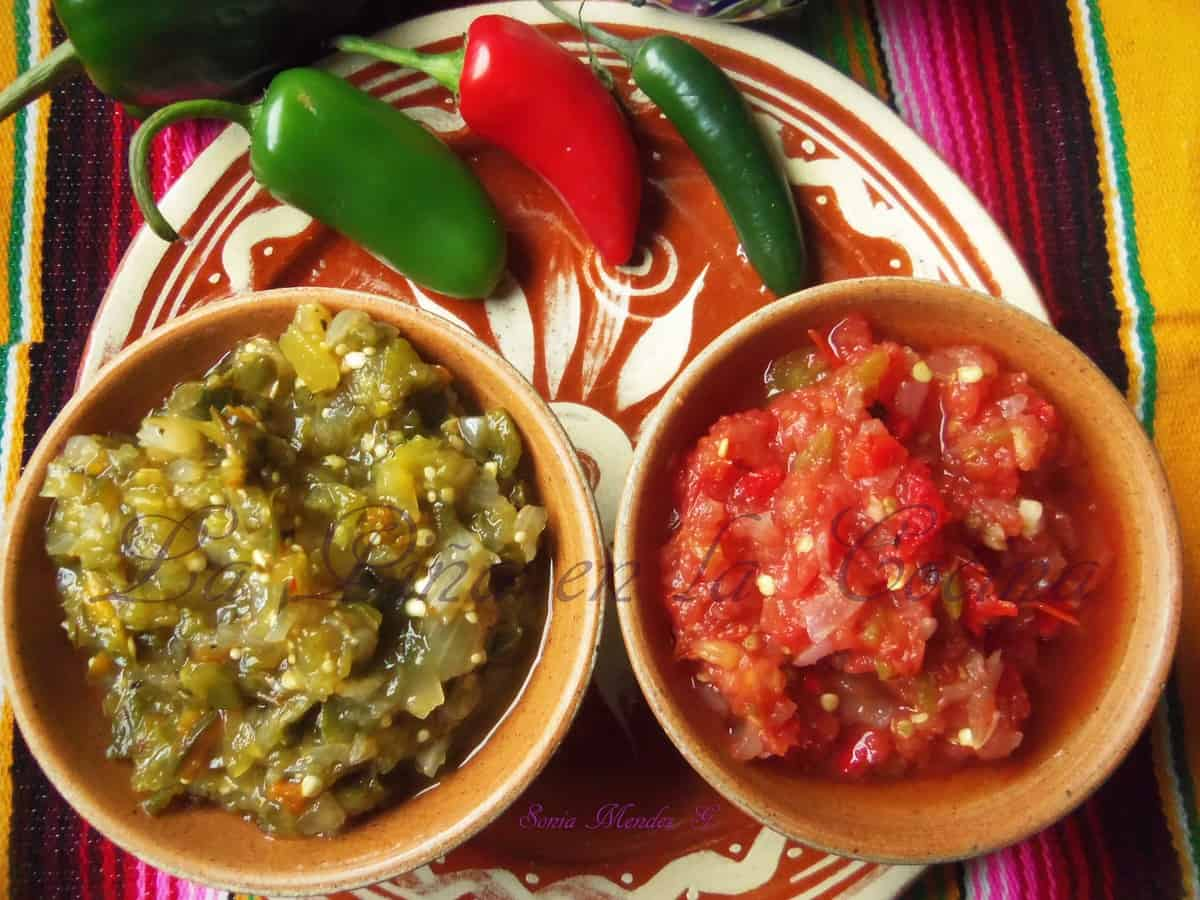 Smokin' Salsa Roja and Smokin' Salsa Verde