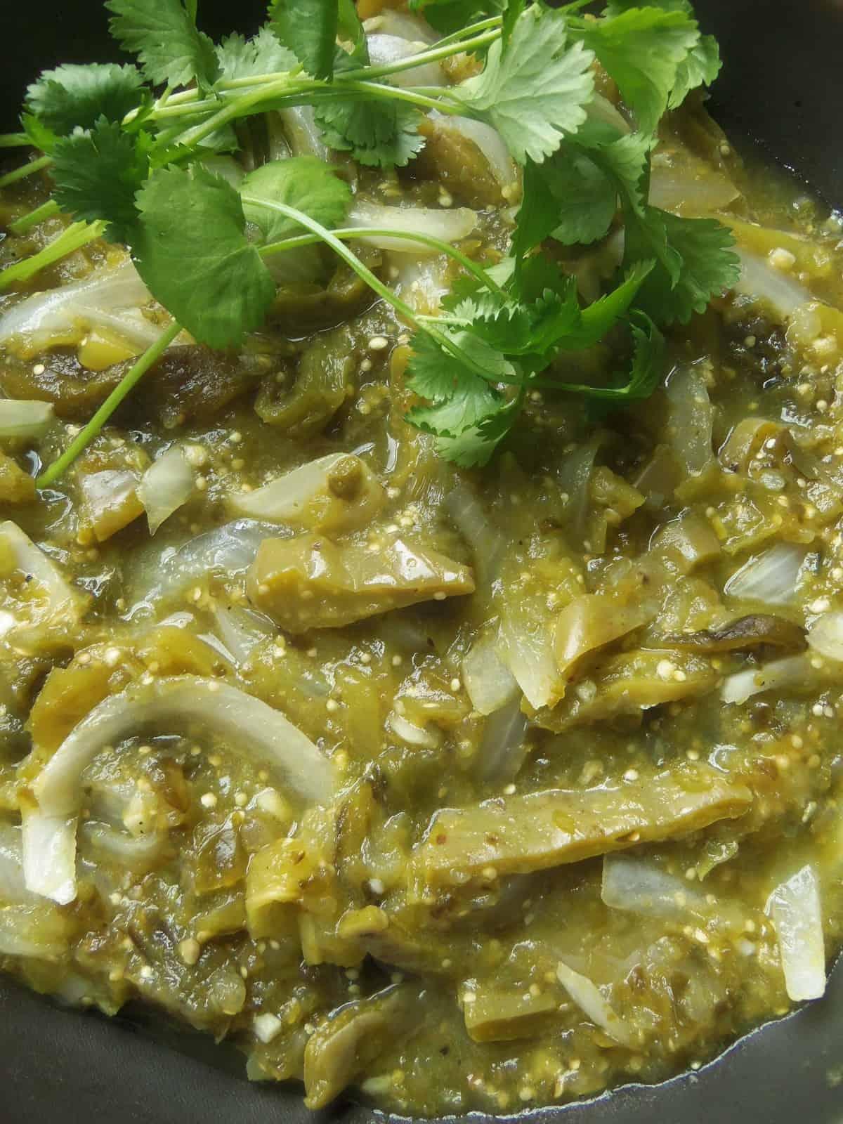 Nopalitos con Rajas en Salsa Verde