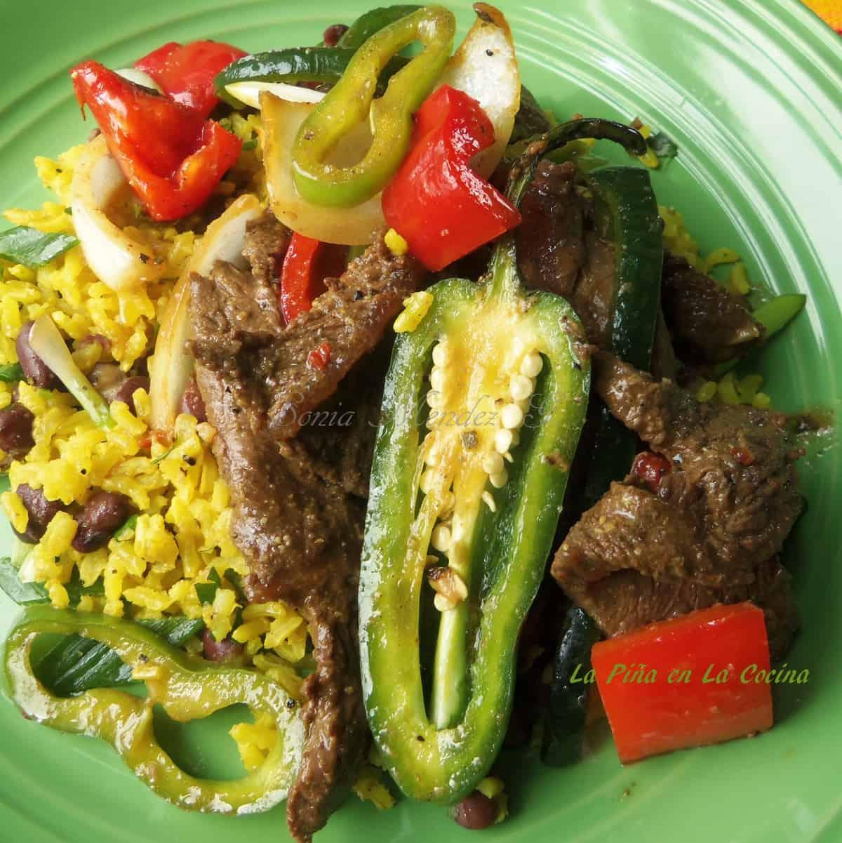 Pepper Steak with Black Beans & Rice | La Piña en la Cocina