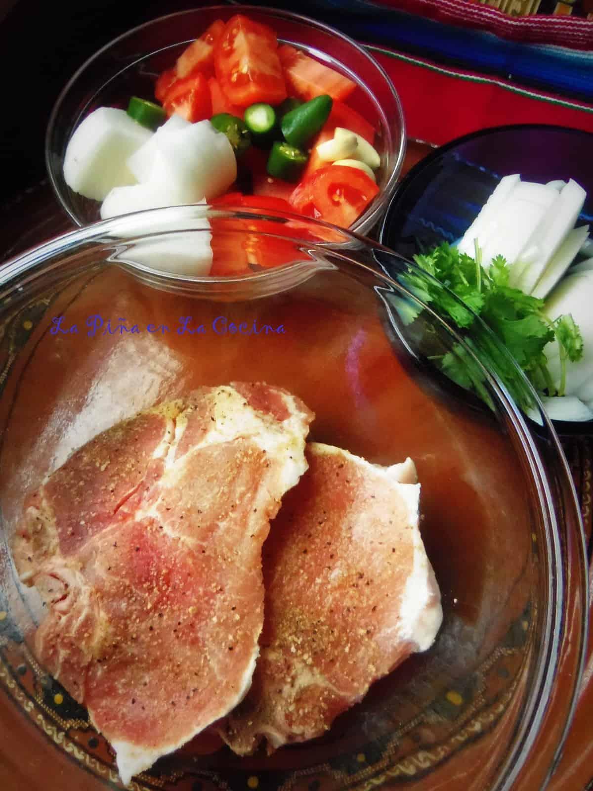 Simple and Fresh Ingredients. Chuletas de Purco en Salsa