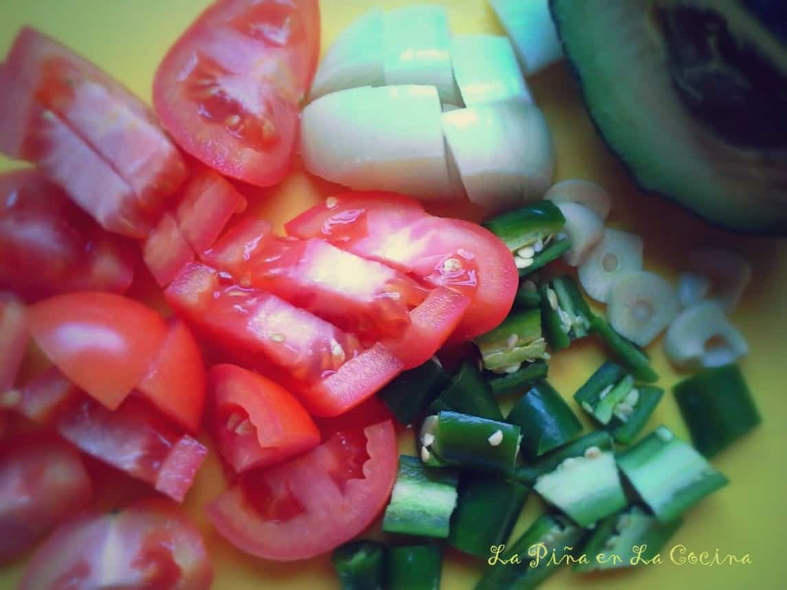 Simply and fresh ingredients for a delicious cooked salsa.