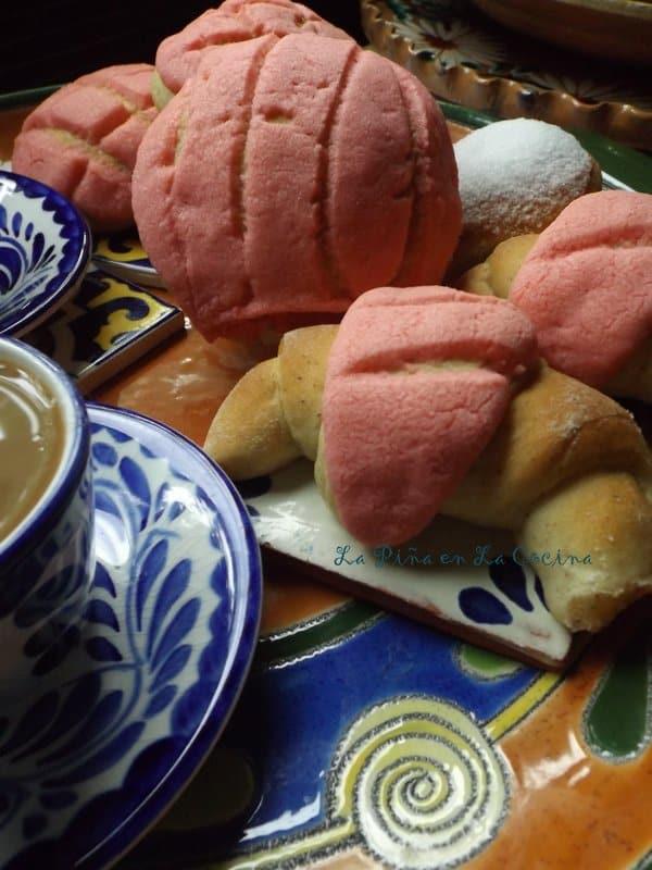 conchas~mexican pan de dulce (soft yeast bread) - la piña en la cocina