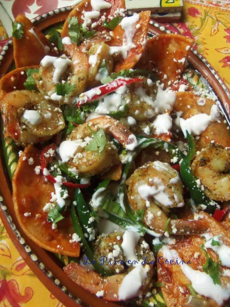 Chilaquiles Rojos con Camarones