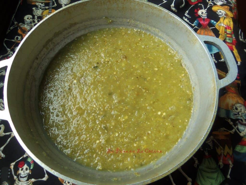Salsa de Tomatillo-Chochoyotes