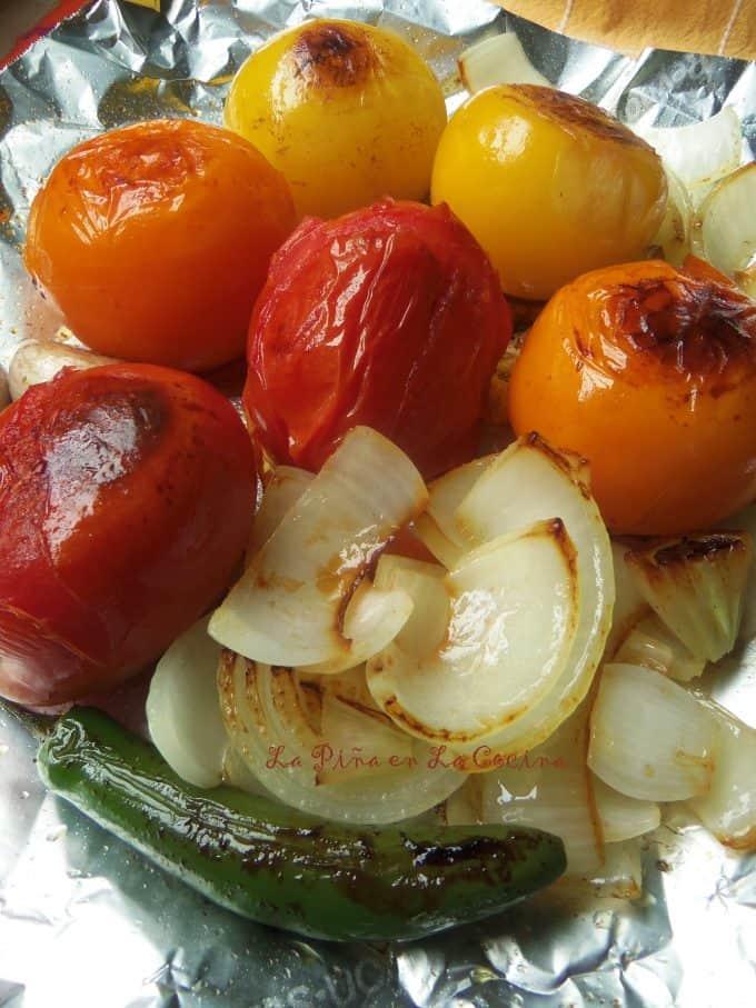 Tomate,, onion, garlic and serrano roasted