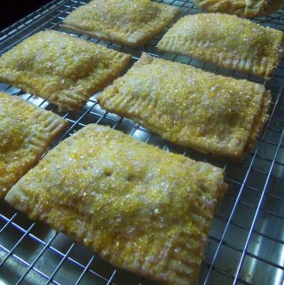La Piña Tarts (Homemade Pineapple Pop Tarts)