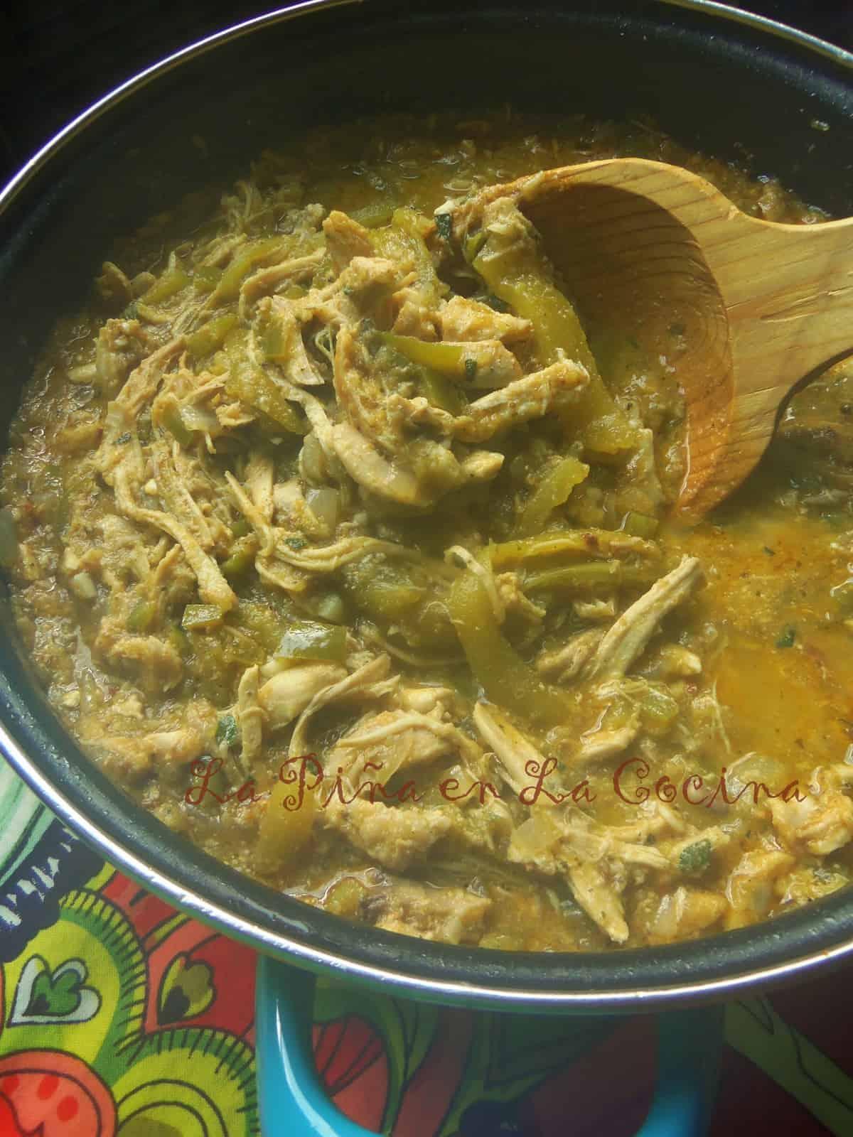 Chicken Chile Verde (Pollo Con Chile Verde) | La Piña en ...
