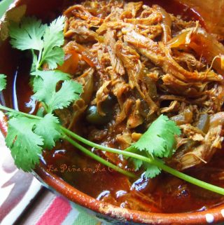 Guiso de Pollo Deshebrado (Shredded Chicken)~ Preparing Recado