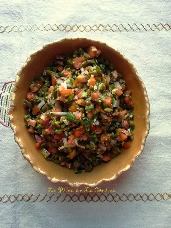 Salsa de Nopalitos-Tlacoyos