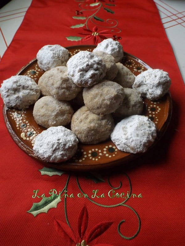 Polvorones- Mexican Wedding Cookies