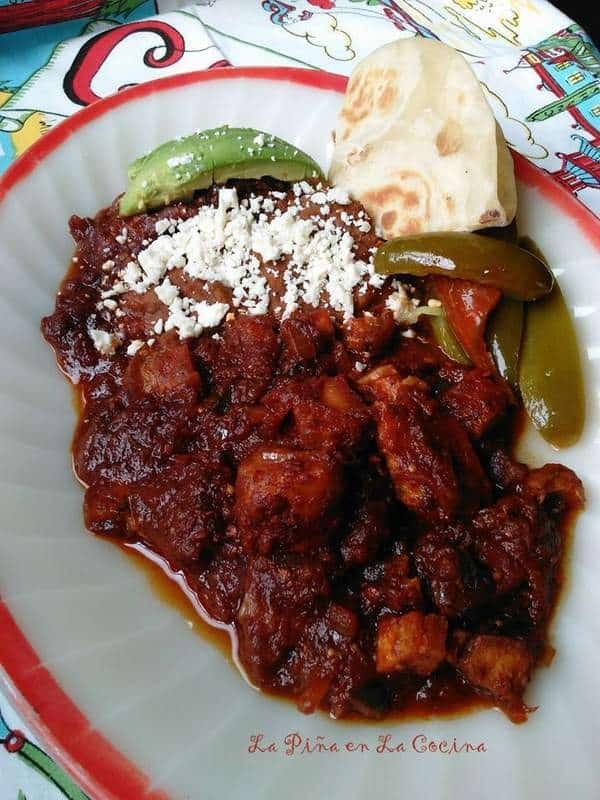 Chicharrones en Salsa de Chile Morita/Piquin