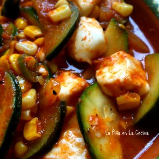 Calabacitas Con Queso y Elote~Zucchini With Cheese and Corn