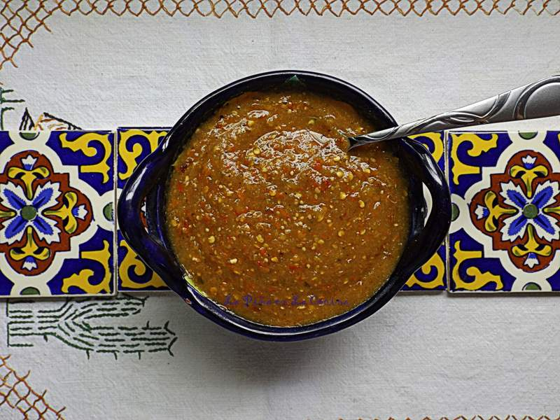 Toasted Chile de Arbol Tomatillo Salsa