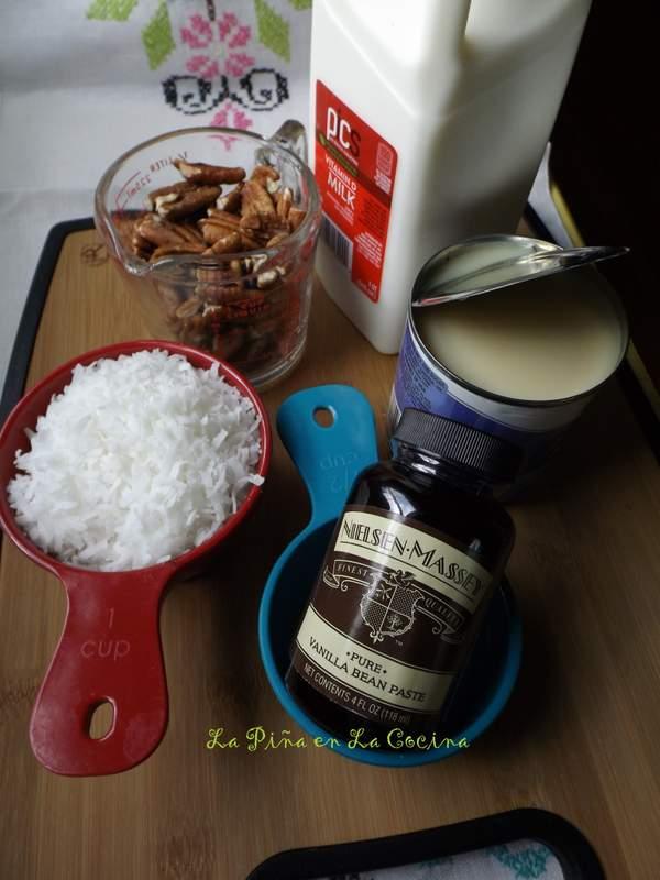 Paletas de Nuez Con Coco-Pecan and Coconut Popsicles