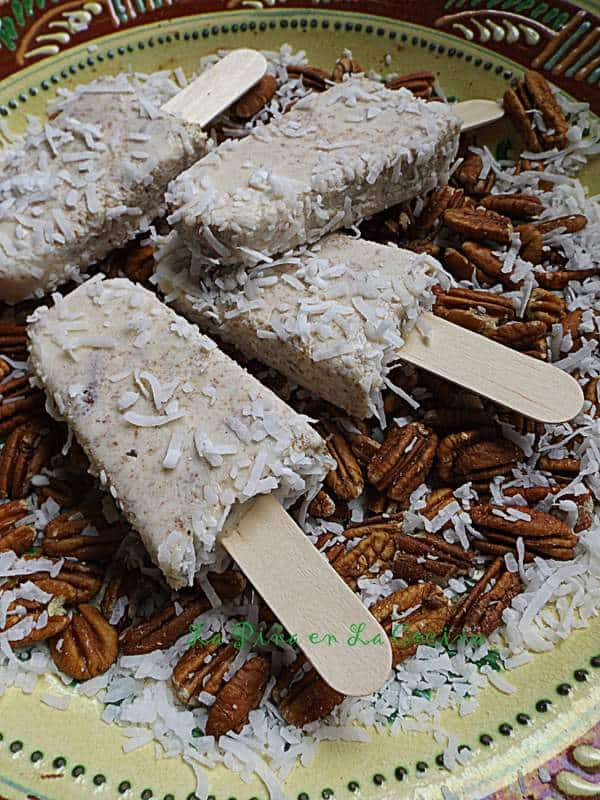 Paletas de Nuez Con Coco-Pecan and Coconut Popsicles
