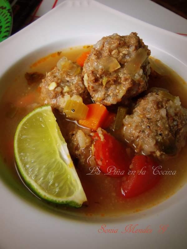 Caldo De Albondigas Mexican Style Meatball Soup La Pina En La Cocina