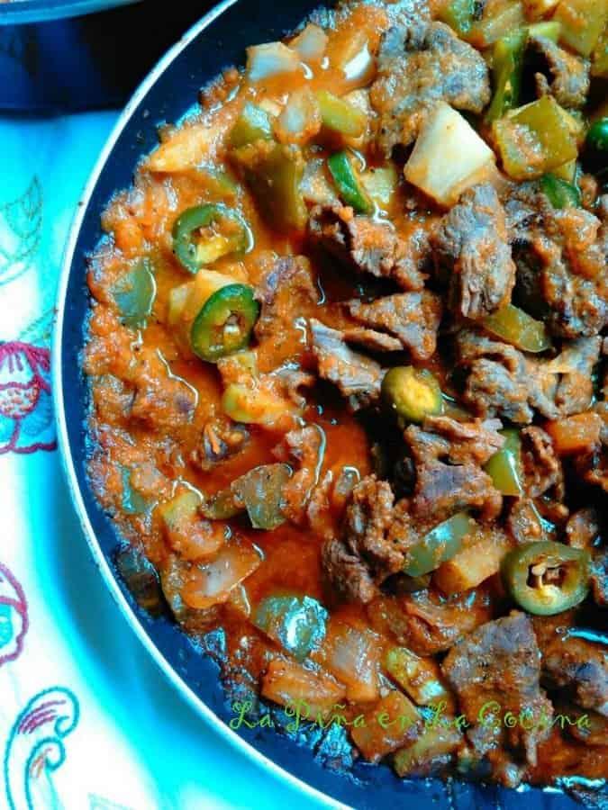 Carne Guisada Con Chayotes