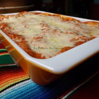 Enchiladas Suizas Rojas (Chicken Enchiladas)