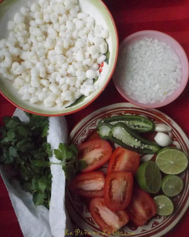 Salsa de Pico de Gallo Con Maiz Blanco-Hominy Pico de Gallo