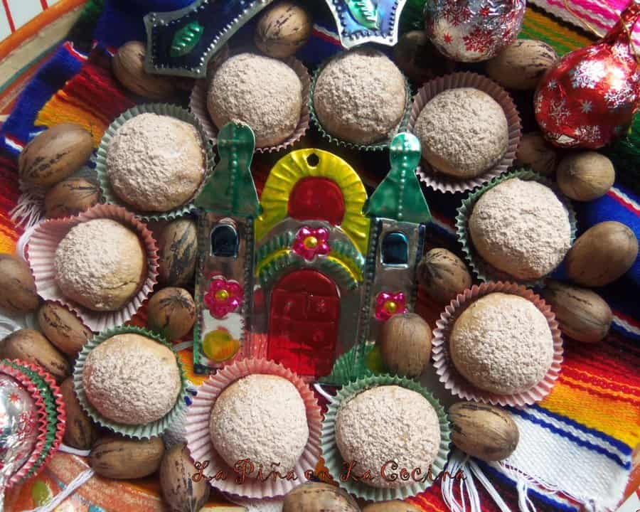 Polvorones de Chocolate(Mexican Wedding Cookies)