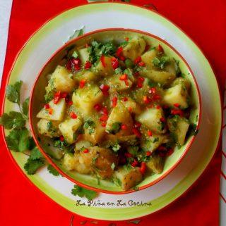 Papas En Salsa (Potatoes In Tomatillo Salsa)