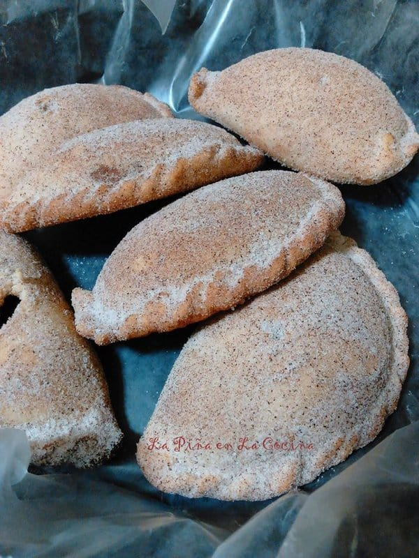 empanadas-de-cajeta-con-nuez