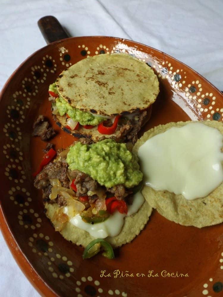 Mulitas, Guacamole