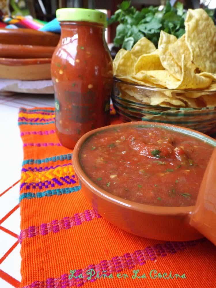 Restaurant-Style Salsa. Easy Toamto Jalapeño Salsa