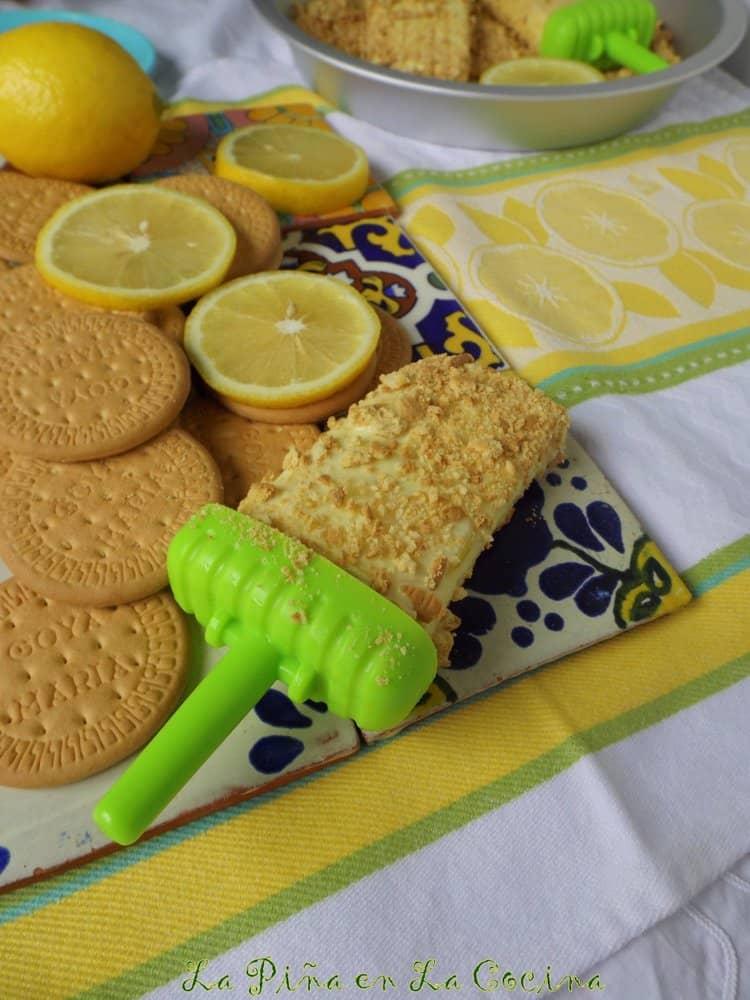 Pay de Limon Paletas-Lemon Pie Popsicles