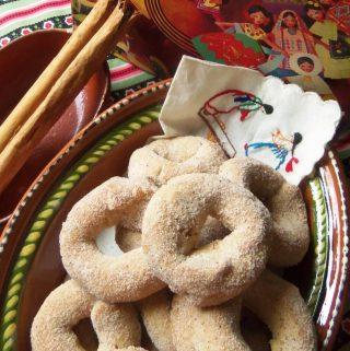 Roscas de Canela(Mexican-Style Cinnamon Cookies)