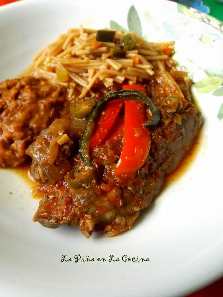 Bistec en Salsa(Chuck Steaks ina Tomato Salsa)