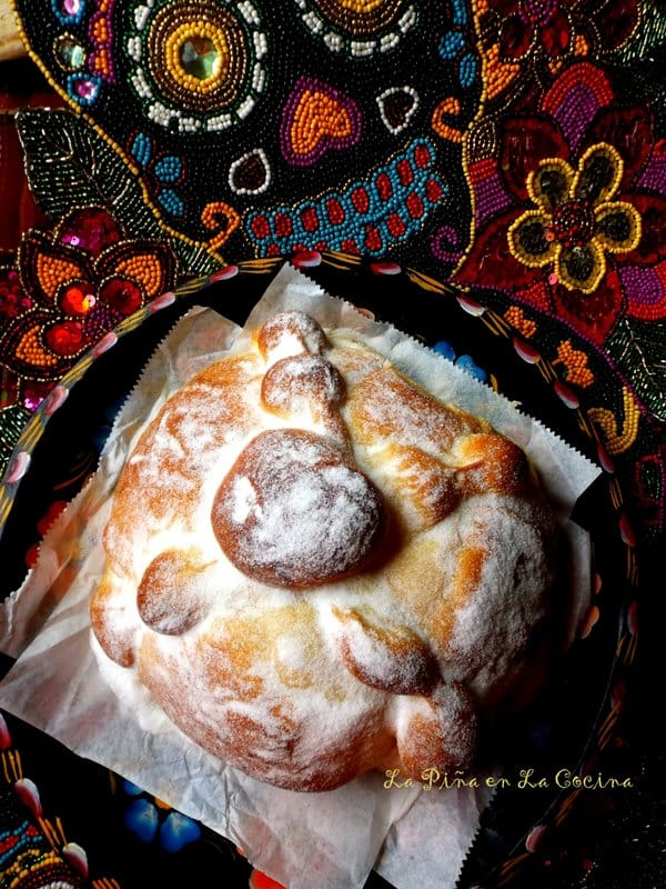 Pan de Muerto top view