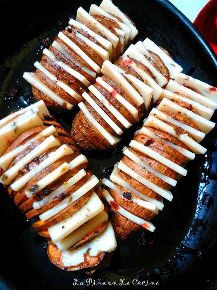 Chipotle Hasselback Potatoes #hasselbackpotatoes #potatorecipes