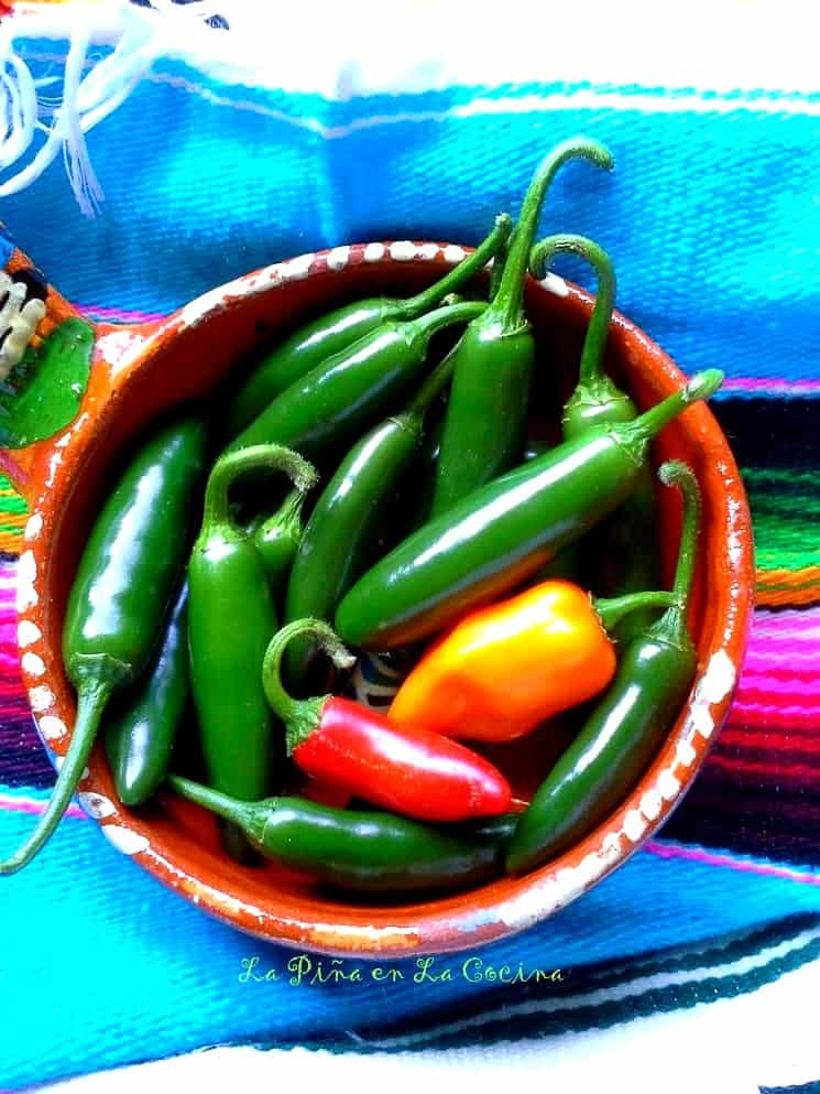 Spicy Salsa Verde #salsaverde #serranos