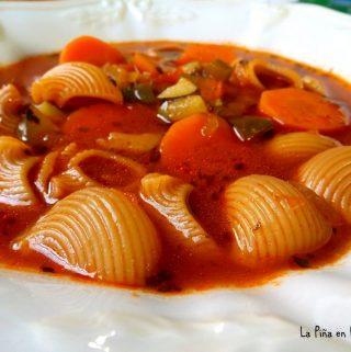 Sopa  de Caracol Con Verduras(Pasta with Vegetables)