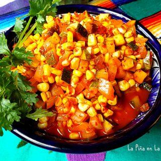 Eloté y Calabacitas en Chileajo(Spicy Corn and Zucchini)