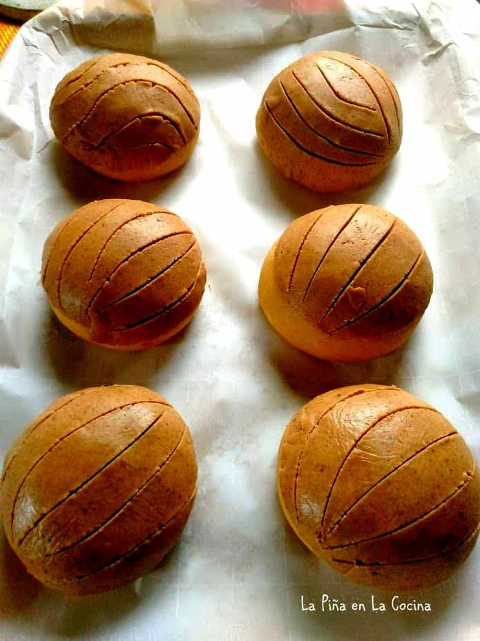 Conchas with scored topping