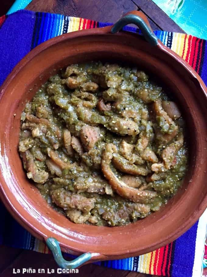 Chicharron in Salsa Verde #chicharron #salsaverde