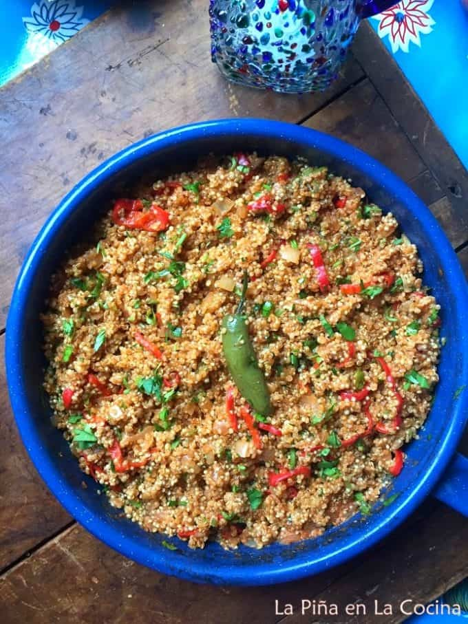 "Mexican style Quinoa ""class ="" wp-image-16079 ""width ="" 590 ""height ="" 786 ""data-lazy-srcset ="" https://pinaenlacocina.com/wp-content/uploads/2020/03/IMG_1447 - 680x907.jpg 680w, https://pinaenlacocina.com/wp-content/uploads/2020/03/IMG_1447-225x300.jpg 225w, https://pinaenlacocina.com/wp-content/uploads/2020/03/IMG_1447. jpg 694w ""data-lazy-sizes ="" (max width: 590px) 100vw, 590px ""data-jpibfi-post-excerpt ="" ""data-jpibfi-post-url ="" https://pinaenlacocina.com/mexican - style-quinoa / ""data-jpibfi-post-title ="" Mexican-style Quinoa ""data-jpibfi-src ="" https://pinaenlacocina.com/wp-content/uploads/2020/03/IMG_1447-680x907.jpg ""data -lazy-src = ""https://pinaenlacocina.com/wp-content/uploads/2020/03/IMG_1447-680x907.jpg"" /><img data-attachment-id="