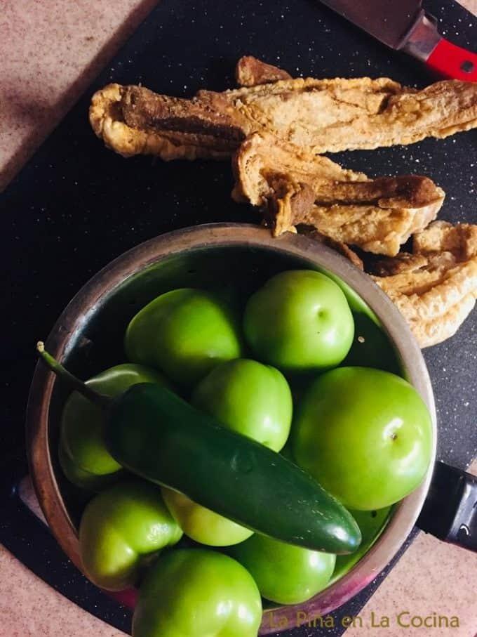 Chicharron en Salsa Verde Ingredients