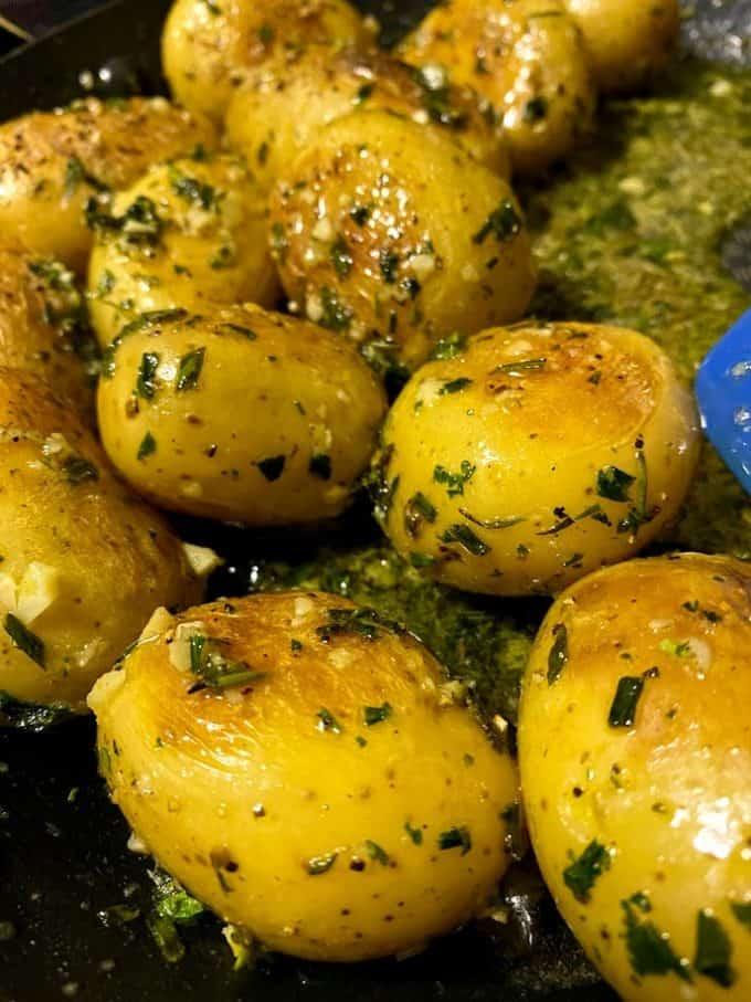 Lemon garlic skillet potatoes