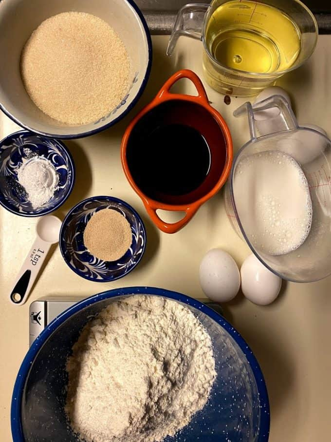 ingredients for mantecadas