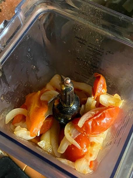 ingredients in blender jar for tomato sauce